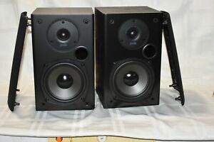 Polk Audio T15 Pair of Black Bookshelf Wall Mountable Speakers 100 Watt