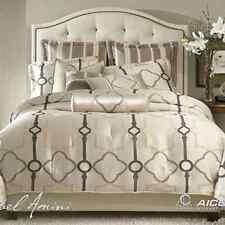 MICHAEL AMINI-AICO Keystone Court Pearl/Silver Geometric 10-pc King Bedding Set