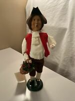 2001 Byers Choice Retired Williamsburg Colonial Man Holly Basket Signed Tag