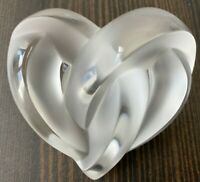 LALIQUE COEUR ENTWINED HEART FROSTED CLEAR CRYSTAL PAPERWEIGHT USED