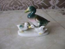 Vintage retro Small Ceramic Duck & Duckling Ornament Figure 8cm Long