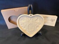 "Pampered Chef ""Hospitality"" Heart Cookie Mold 2001"