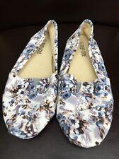 Reef Code Blue/grey Floral Canvas shoe Size 4 <T5272