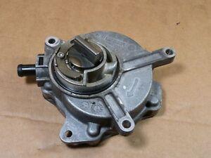 A6 4F 2.0 TFSI Vakuumpumpe 06D145100G _  06D 145 100 G