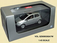 Schuco 5Z0099300A7W Dealer Model VW Fox Silver 1/43 Scale - New in Case T48 Post