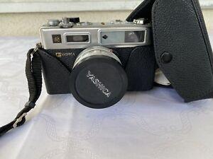 Yashica Electro 35 GSN mit Color Yashinon-DX 45mm f/1.7