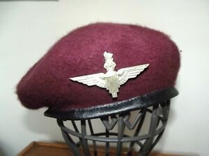 British maroon beret and para badge , repro .