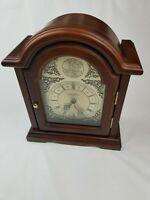Vintage Seth Thomas Tempus Fugit Electronic Alarm Wood Glass Door Dresser Clock