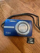 OLYMPUS Stylus 820 8.0MP Blue DIGITAL CAMERA w Charger & Case & 1GB Memory Card