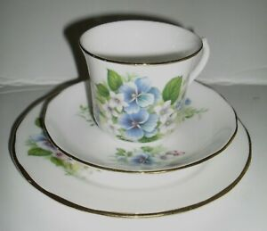 QUEEN ANNE BONE CHINA - BLUE & PINK FLOWERS SET OF 6 CUPS/SAUCERS/PLATES