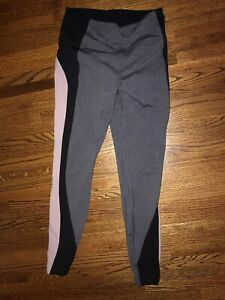 Lululemon Pink Black Gray Size 10 Legging