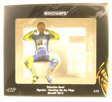 Valentino Rossi Figurine - Checking the Ear Plugs - Motogp 2014