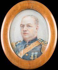 Miniatur Portrait eines Offiziers, Tempera / Papier, um 1920, im Aufstellrahmen