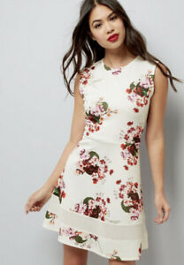 Cream Floral Print Skater Dress Size : 18 Out Of Stock Online