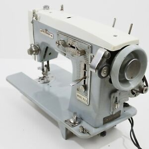 Vintage UNIVERSAL De Luxe ZIG -ZAG Sewing Machine For Parts Or Repair