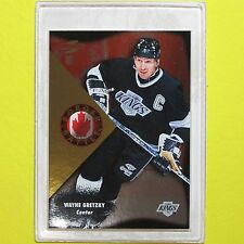 "WAYNE GRETZKY  1995-96   "" BORDER BATTLES ""   Pinnacle # 2 of 15   LA Kings"
