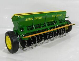 NEW SpecCast 1:16 John Deere VAN BRUNT GRAIN DRILL w/Yellow Lids *NIB*