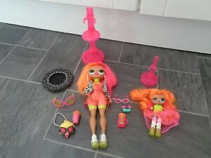 LOL doll bundle-OMG neonlicious+ neon Q.T mini doll+clothes/stands/accessories