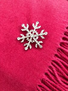 Ladies Girls Silver Sparkly Christmas Snowflake Brooch Pin