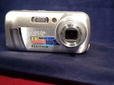 SVP CDC-5610 8 MEGA PIXELS MAX. DIGITAL CAMERA + digital music player