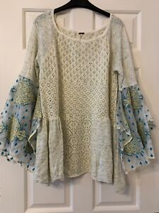 Free People jumper with incredibly stunning sleeves - size M