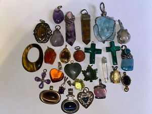 Crystal gemstone pendant lot costume and natural