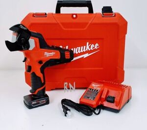 Milwaukee 2472-21XC M12 Cordless 600 MCM Cable Cutter Kit