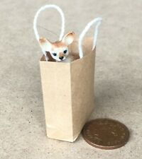 1:12 Scale Walkies Chihuahua Puppy Dog In A Carrier Bag Tumdee Dolls House KD