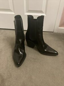 Zara Patent Boots Chelsea Pointed - Black Size 8 (41)