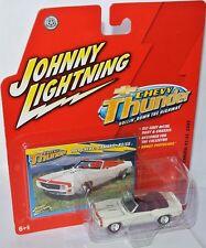 Chevy Thunder - 1969 CHEVY CAMARO RS/SS convert. - white - 1:64 Johnny Lightning