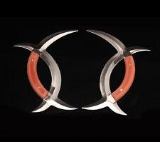 Chinese martial arts martial arts weapon: a pair of gossip yuanyang tomahawk.