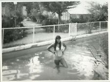 PHOTO ANCIENNE - VINTAGE SNAPSHOT - FEMME SEXY PISCINE BAIGNADE - WOMAN BATHING