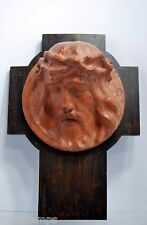 CHRIST CRUCIFIX sculpture TERRE CUITE signée sur bois teinte chataignier débXXè