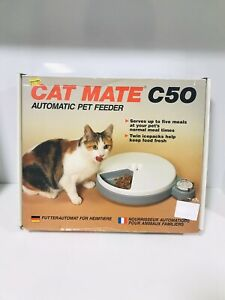 Cat Mate C50 Automatic Pet Feeder With x 2 Ice Blocks Up To 5 Meals Working