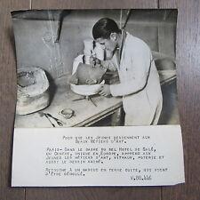 PHOTO DE PRESSE 1944 ECOLE DES MÉTIERS D'ART HOTEL DE SALÉ COURS POTERIE