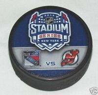 2014 STADIUM SERIES PUCK Duelling Logo New York Rangers vs NJ Devils YANKEE