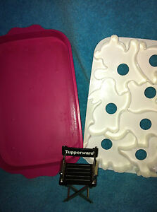 PINK TUPPERWARE CHILDS ANIMAL WIGGLERS JELLO MOLD / 7 COOKIE CUTTERS #2553 TOY