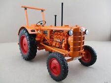 Hanomag R28 Traktor (1953) in orange  Minichamps Maßstab 1:18 OVP NEU