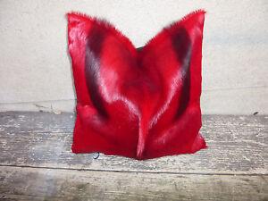 neues Kissen aus echtem Springbockfell, rot gefärbt / Dekoration / Springbock