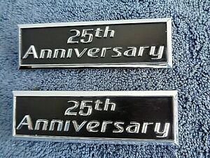 NICE OEM 2006 Town Car 25th ANNIVERSARY Roof Emblems Body Nameplate Ornaments