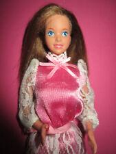B794-Ancien Heart Family maman Barbie #2412 MATTEL 1984 original-robe + vieille Chaussures