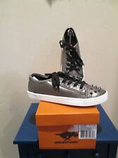 ROCKET DOG DYLAN RUMBLED MET FABRIC PEWTER SNEAKERS WOMENS SHOES SZ 6.5 M NEW