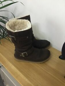 Kensington Brown Ugg Boots Size 6.5