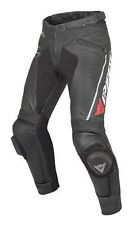 Pantaloni Dainese in pelle bovina per motociclista