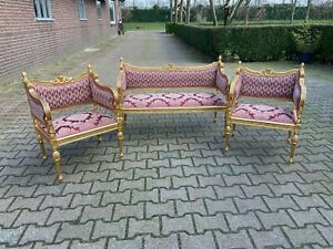 Beautiful complete living room set in French Louis XVI style. Worldwide shipping