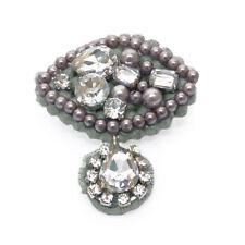 Broche idée cadeau gris argenté perles imit. culture tricot strass blancs