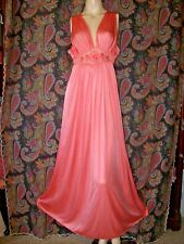 Vintage Lorraine Coral Nylon Tricot Empire Nightgown Nighty Lingerie M