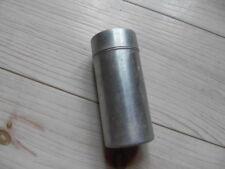 Ancienne boîte poudreuse en aluminium