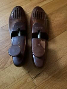 Size 8 Women/'s Pair of Vintage Wood Shoe Trees or Shapers