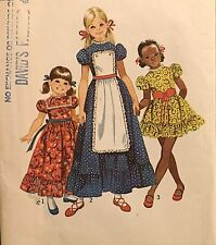 1971 Vintage Girls Childs DRESS w APRON w Puffed Sleeves Pattern 9732 Sz 4